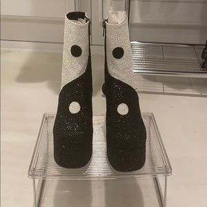 NEW Black/ White Glitter Peace Sign Boots